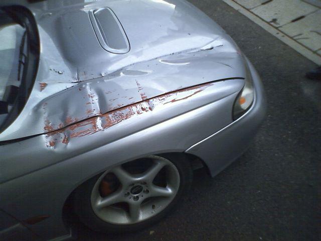 めぇ~ん! 愛車負傷。